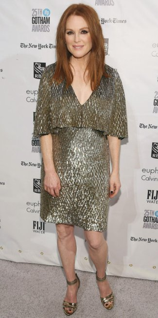 120115-lotd-julianne-moore