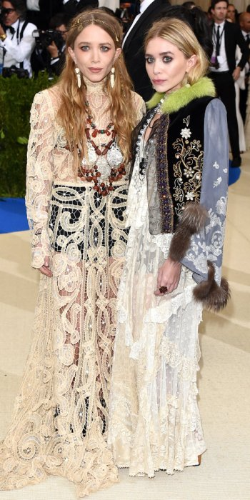 050117-met-gala-2017-mary-kate-ashley-olsen